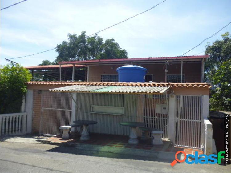 Vende casa en barquisimeto rah 19-15667