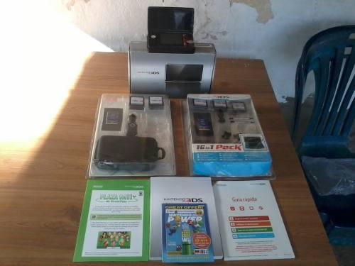 Nintendo 3ds con accesorios varios