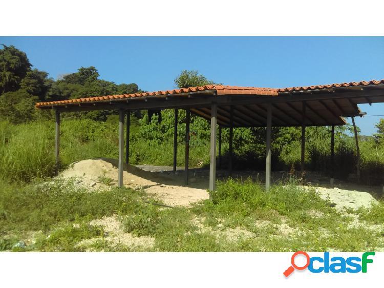 PARCELA CON LOZA PARA CONSTRUCCION YA TECHADA