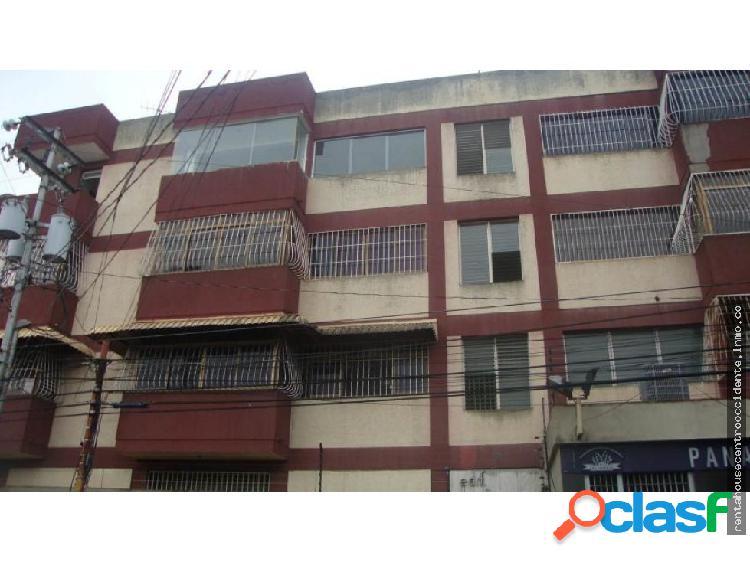 Sales/venta de apartamento en barqdeleste, la