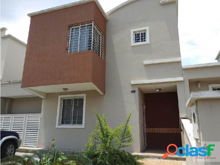 Vende hermosa casa en barquisimeto cs