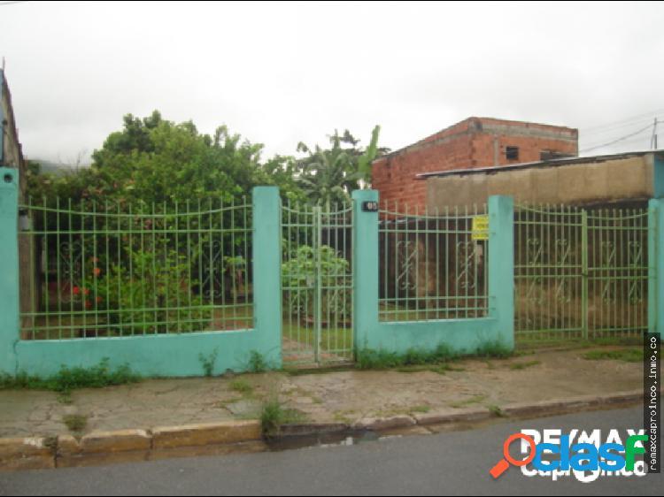 Céntrica casa comercial en guacara