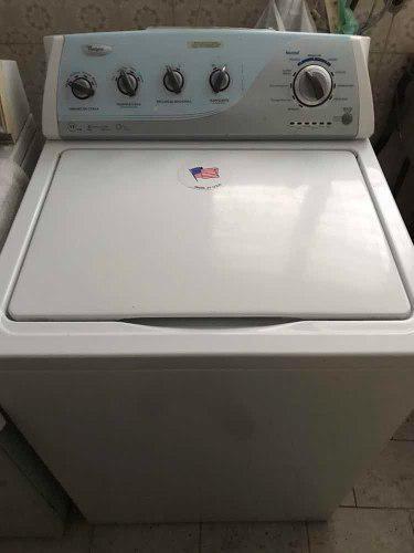 Lavadora whirlpool de 17 kilos muy poco uso negociable