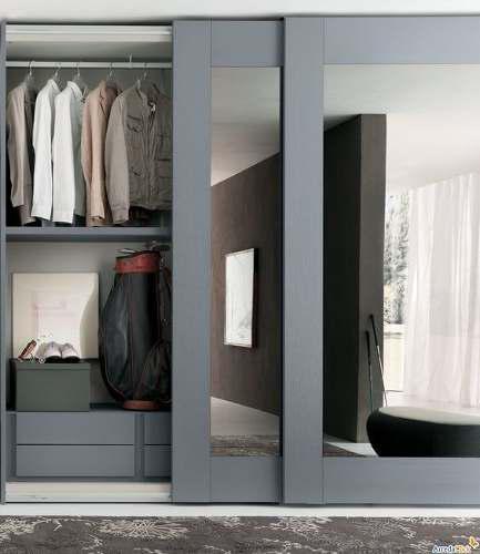 Puertas de closet con marco de madera y vidrio o espejo