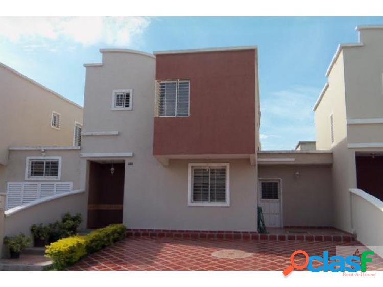 Casa en venta en el este de barquisimeto cs