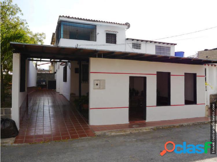 Casa en venta la puerta cabudare 19-8332rr