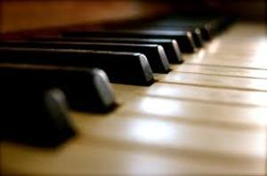 Clases de piano, solfeo y repertorio para cantantes e