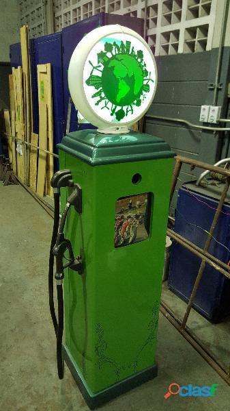 Surtidor de gasolina antiguo
