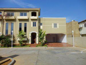 Casa en venta maracaibo urb.lago mar beach remaxmillenium