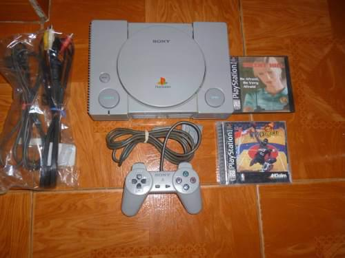 Consola de video juegos, marca sony, modelo playstation 1