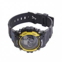 El reloj de pulsera digital resistente al agua