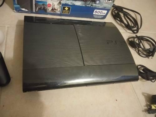 Play station 3 super slim edición especial en combo