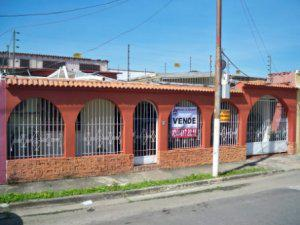 San carlos urb. cantaclaro venta casa bs 595000 269mts2