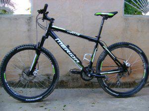 Se vende bicicleta montañera marca merida año 2012