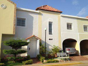 Townhouse en venta maracaibo ciudad de la faria