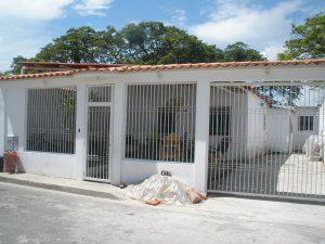 Vendo casa zona residencial entre san joaquin