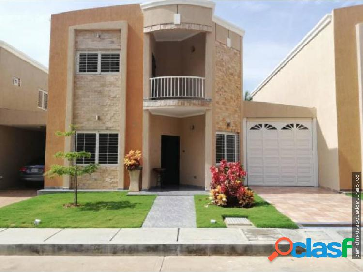 Vendo townhouse el milagro mls 19-5166 hjgr