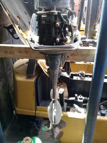 Motor fuera borda para reparar