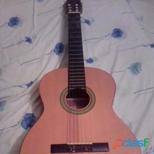 Guitarra clásica marca angélica