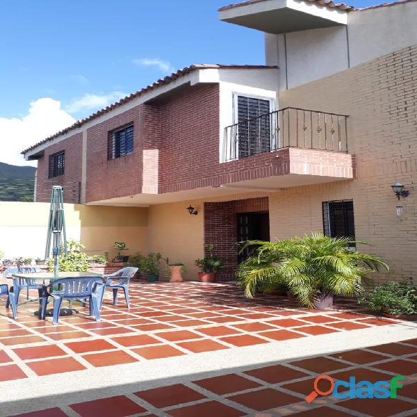 Townhouse en Mañongo