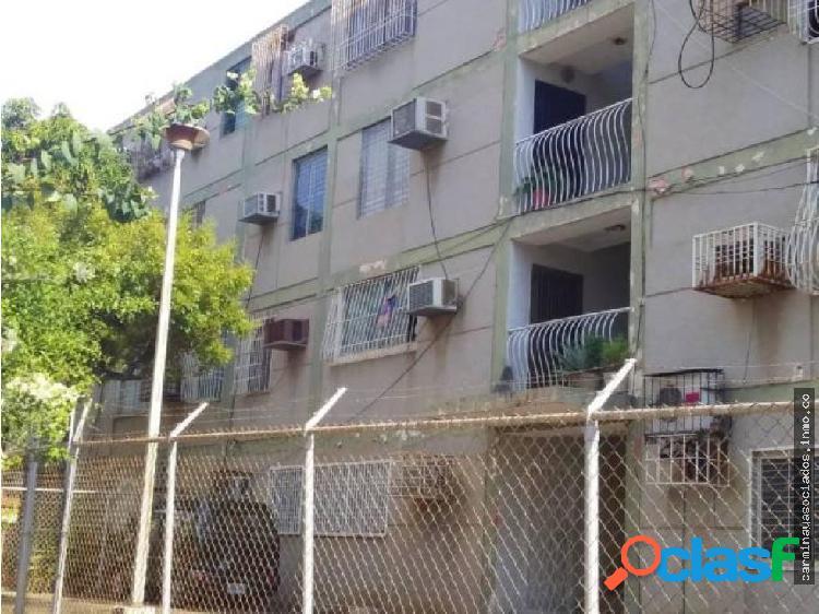 Vendo Apartamento en Quiroz Zapara #19-17598 ACRA