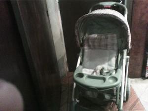 Se vende coche de bebe, comodo, grande y a precio solidario