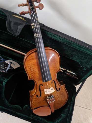 Violin cremona 4/4 + cuerdas + estuche + hombrera