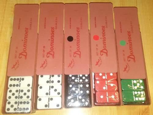 Juego de dominó grande. 28 piezas. medidas 5,5 x3,8 x1,3