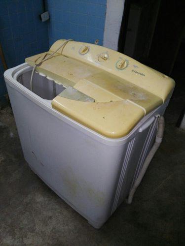 En venta lavadora electrolux para reparar o repuesto