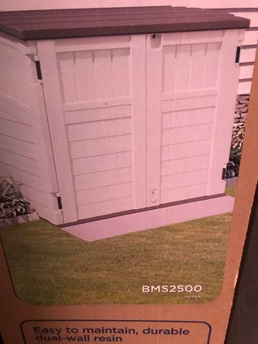 Caja para jardin suncast bms2500