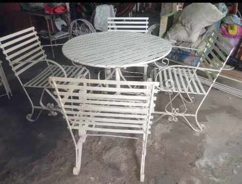 Juego de mesa redonda de hierro con 4 sillas excelente calid