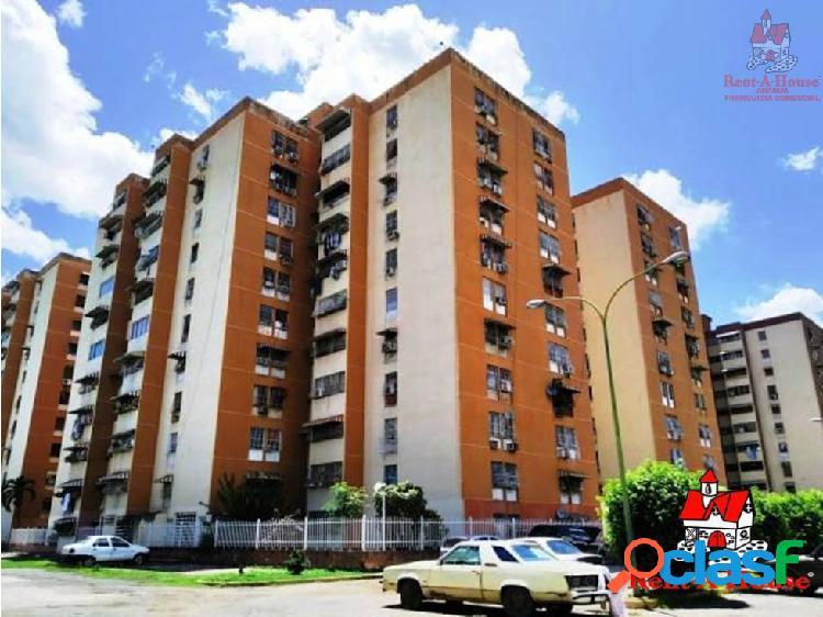 Apartamento av. bolívar turmero cod: 19-13849 hjl