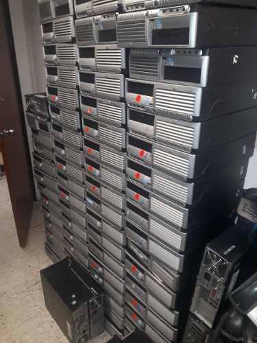 Lote de computadoras mac y pc, impresoras, plotter, ups, fax