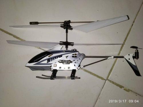Mini helicóptero de control remoto syma s107g