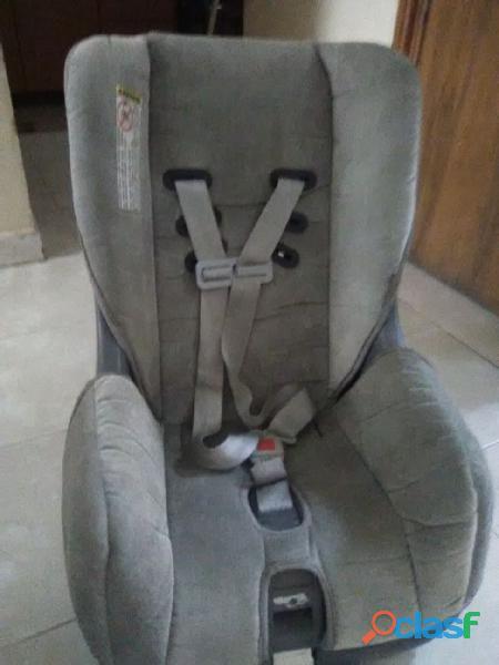 Porta bebe para usarlo en el carro
