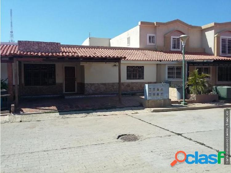 Vendo Casa en la Picola #19-13523 ACRA