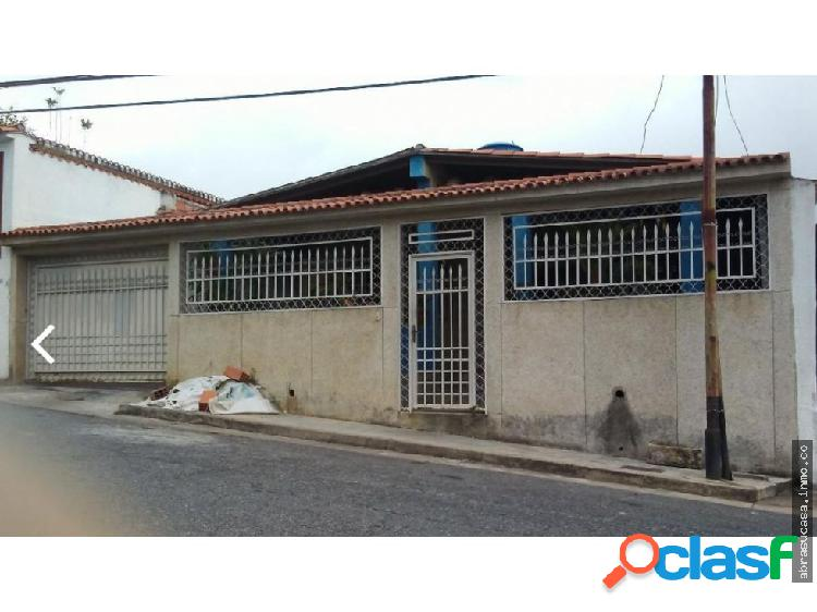 Los Teques Casa Dos Niveles, Urb Sant Omero.