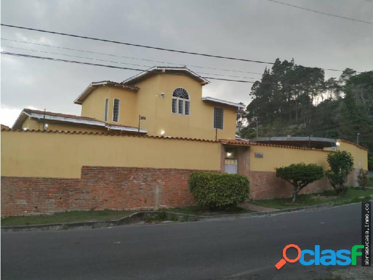 San Antonio Casa Dos Niveles, Club de Campo.