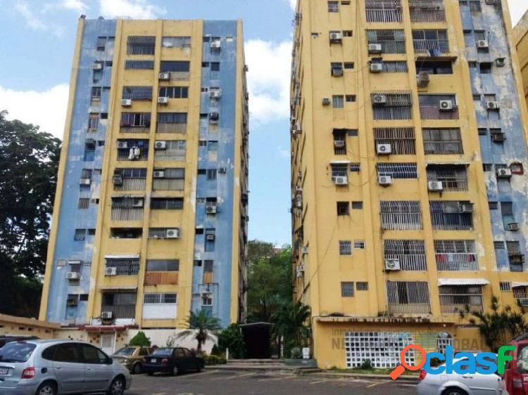 Apartamento en conjunto residencial la ceiba.