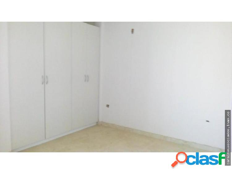 Vendo Townhouse MLS #18-3782 Milagro Norte KR