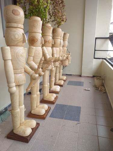 Cascanueces navidad de madera 1.20 metros diferentes modelos