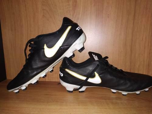 Zapatos (tacos) de fútbol nike originales! *60*