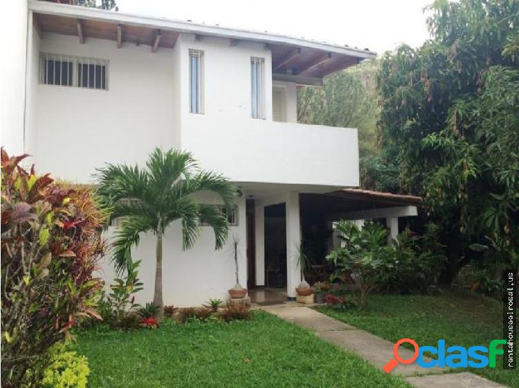 Casa en Ccs - PdraAzul LS MLS#16-7681