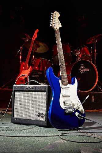 Fender squier strat afinity hss con amplificador fender 2019