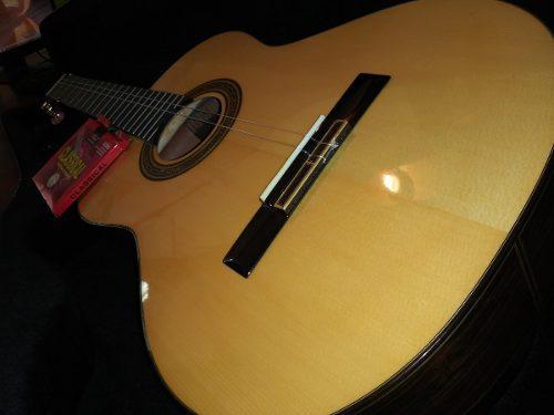 Guitarra acustica ossia music de paquete con antishop