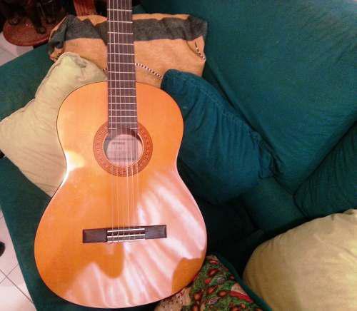Guitarra acustica yamaha c40 con forro acolchado