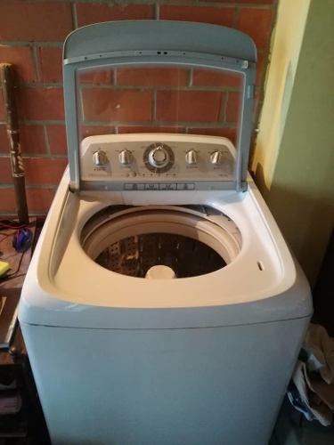 Lavadora usada frigidaire 16 kilos