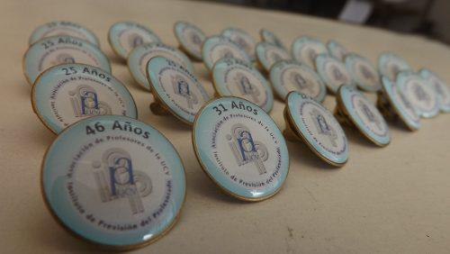 Pin Pines Botones Placas Reconocimiento Y Mas @gradocenter