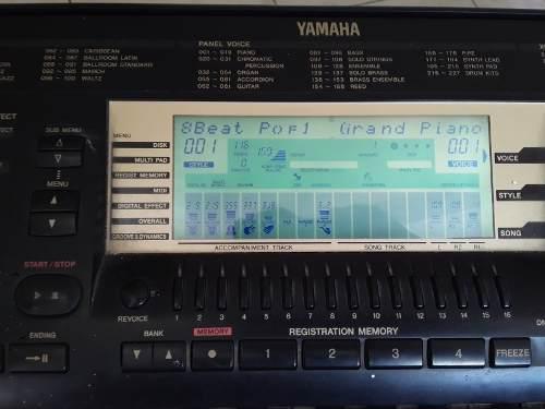 Teclado yamaha modelo prs 730 sin detalle