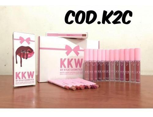 Labial liquido kylie mate con lapiz delineador 2 en 1 rosado